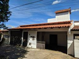 Título do anúncio: Vende Sobrado 3 pavimentos no Caiçara, 5/4 mais terraço com vista pra Goiânia