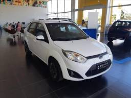 FORD FIESTA 1.6 ROCAM SE SEDAN 8V FLEX 4P MANUAL - 2014