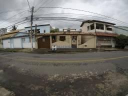 Casa para alugar com 3 dormitórios em Chácara parreiral, Serra cod:R-035