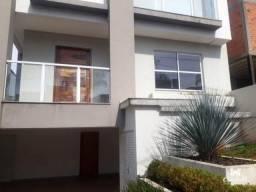 Residência em Condomínio no Jardim Carvalho