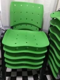 Vendo cadeiras com e sem longarinas e cadeira giratória