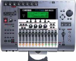 Mesa estudio Boss BR1600 cd estado de novo, completo