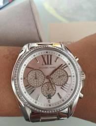 d76de284167 Relógio Michael kors prata novo sem uso
