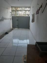 Casa 2 quartos e garagem Prox UVV. BARATO?