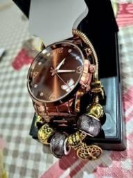 Conjunto relógio e pulseira novos