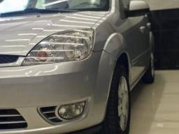 Fiesta Sedan SE 1.6 8V Flex 4p - 2006