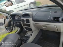 Vendo ou  troco Clio 2004