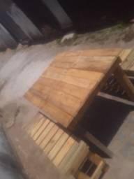 Mesa com Banco de madeira de paletes