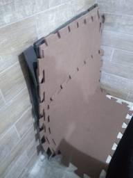 Tatame em Eva  1.00x1.00x1mm (usado)