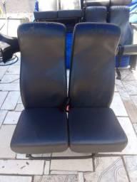 Vendo assentos para micro ônibus