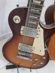 Guitarra les paul michael R$450