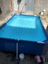 Vendo essa piscina de 3mil litros por 500