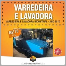 Título do anúncio: Varredeira e lavadora industrial 2010 ? Modelo 800D