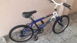 Bicicleta infantil Homen Aranha em otimo estado