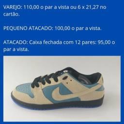 Tênis masculino bege/azul