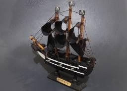 Barco Pirata em Miniatura