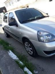 Clio emplacado modelo 2011