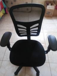 Cadeira de escritorio.