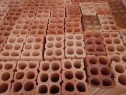 Vendo tijolos de 6 furos padrão