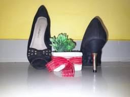Sapato Viamarte preto usado