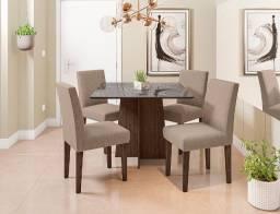 Mesa de Jantar Quadrada com 04 cadeiras