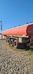 Carreta tanque compartimentada
