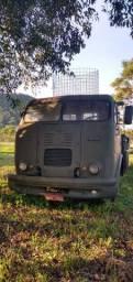 Caminhão Antigo FNM 61