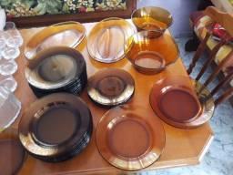 Conjunto de pratos e travessas Duralex