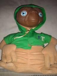 Boneco ET