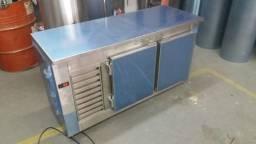 Balcão refrigerador sob medida inox
