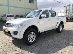 L200 Triton GL 2018 42 mil km originais com acessórios HPE comprado em leilão - 2018