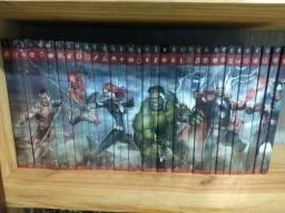 Hq's Marvel Salvat capa preta e vermelha
