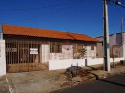 Casa com 2 quartos - Maringá/PR