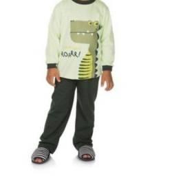 Pijama infantil que brilha no escuro