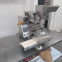 Maquina de salgados buffet - (pouco usada)