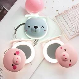 Título do anúncio: Mini Espelho Led e Ventilador Portátil Porquinho 3 em 1