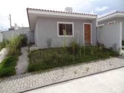 Excelente casa contendo 03 dormitórios no Parque do Embu
