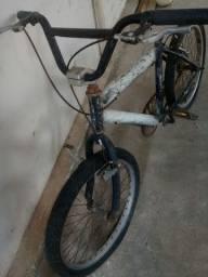 Bicicleta criança sem uso