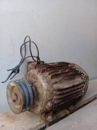Vendo motor trifásico baixa rotação 3CV