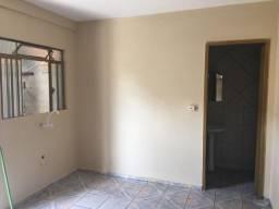 Casa para alugar no Alto Maracanã, 2 quartos