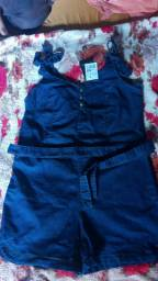 Vendo um macacão e uma saia jeans com lycra
