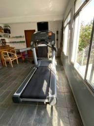 Esteira Life fitness integrity