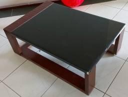 mesa de centro em MDF reforçado, com vidro fumê *Conservadíssima<br>