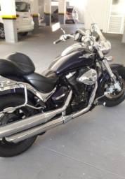 Vendo linda moto Suzuki Boulevard M800