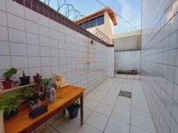 Área Privativa 2 quartos com 1 vaga de garagem sob Pilotis, No Novo Riacho.