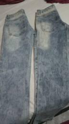 Duas calças jeans