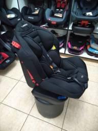 Cadeira 0 a 25kg preta, reclinável e com base