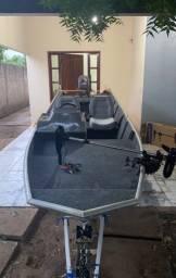 Barco de pesca em EXCELENTE estado