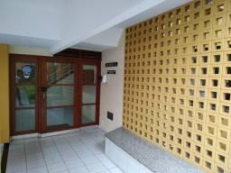 Vendo  Apartamento em Jardim Camburi  excelente localização