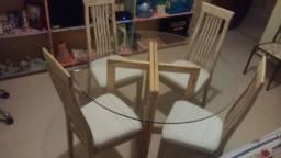Jg mesa com 4 cadeiras estofadas conservado